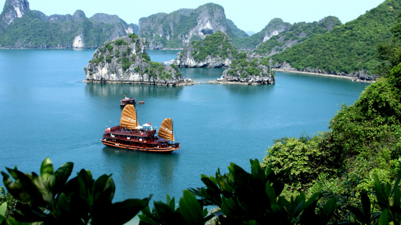 AUTHENTIC VIETNAM & CAMBODIA 18 days/ 17 nights
