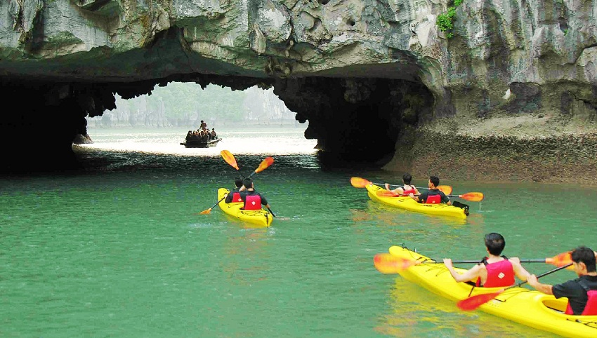 Kayaking tour in Halong bay Vietnam