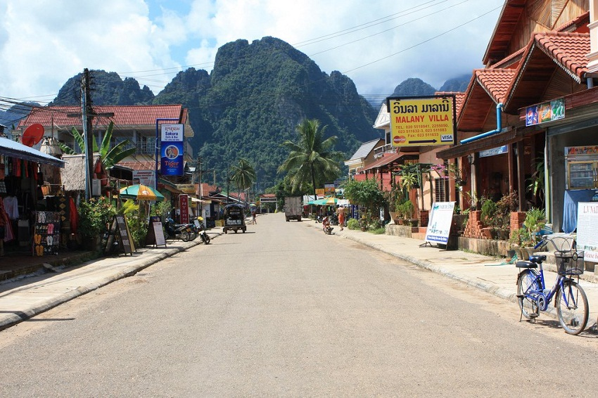 Laos Tour > Mekong Delight - 15days/14nights